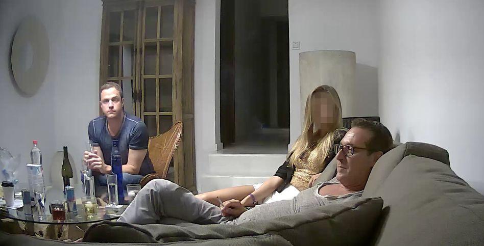 Standbild aus heimlich aufgenommenem Video
