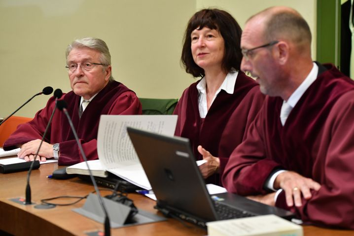 Vertreter der Anklage Diemer, Greger, Weingarten