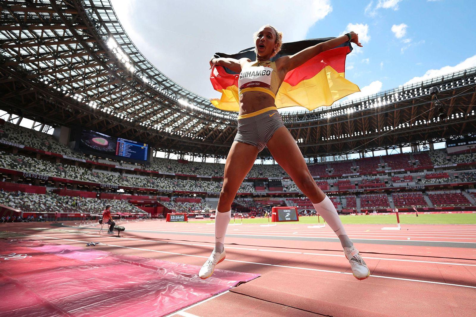 (210803) -- TOKYO, Aug. 3, 2021 -- Malaika Mihambo of Germany reacts after winning the women s long jump final at Tokyo