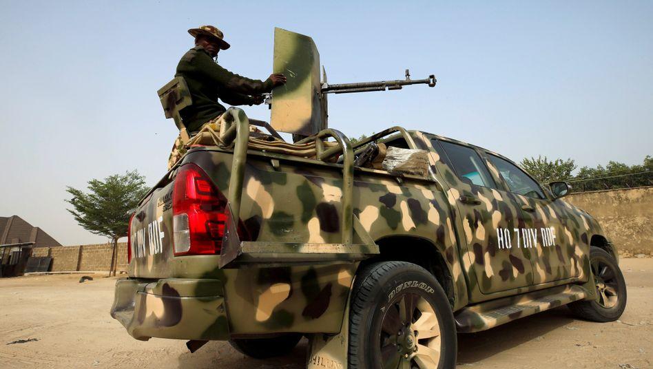 MIlitärpatrouille in Maiduguri im Norden Nigerias