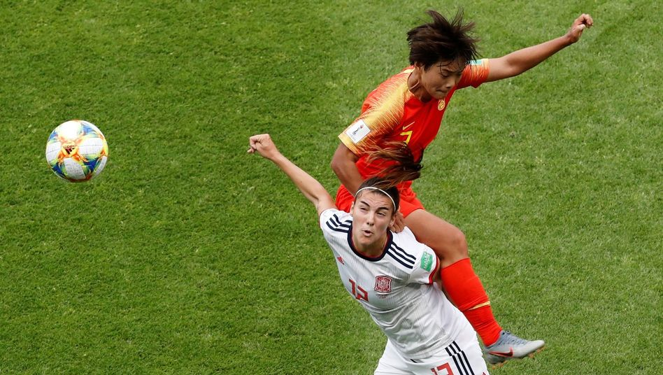 Spaniens Patri (unten) und Chinas Wang Shuang (oben)