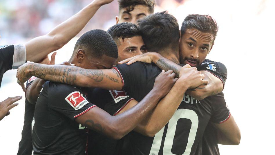 Leverkusen ist nach dem zweiten Saisonsieg vorerst Tabellendritter