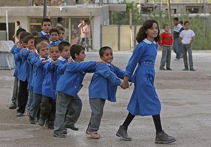 Schulhof (in Van): 20.000 Mädchen noch eingeschult