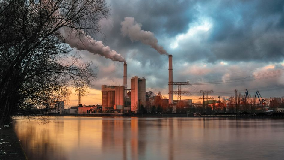 Rauchende Schornsteine - bald schon Vergangenheit? Die EU will bis zur Mitte des Jahrhunderts CO2-neutral sein.
