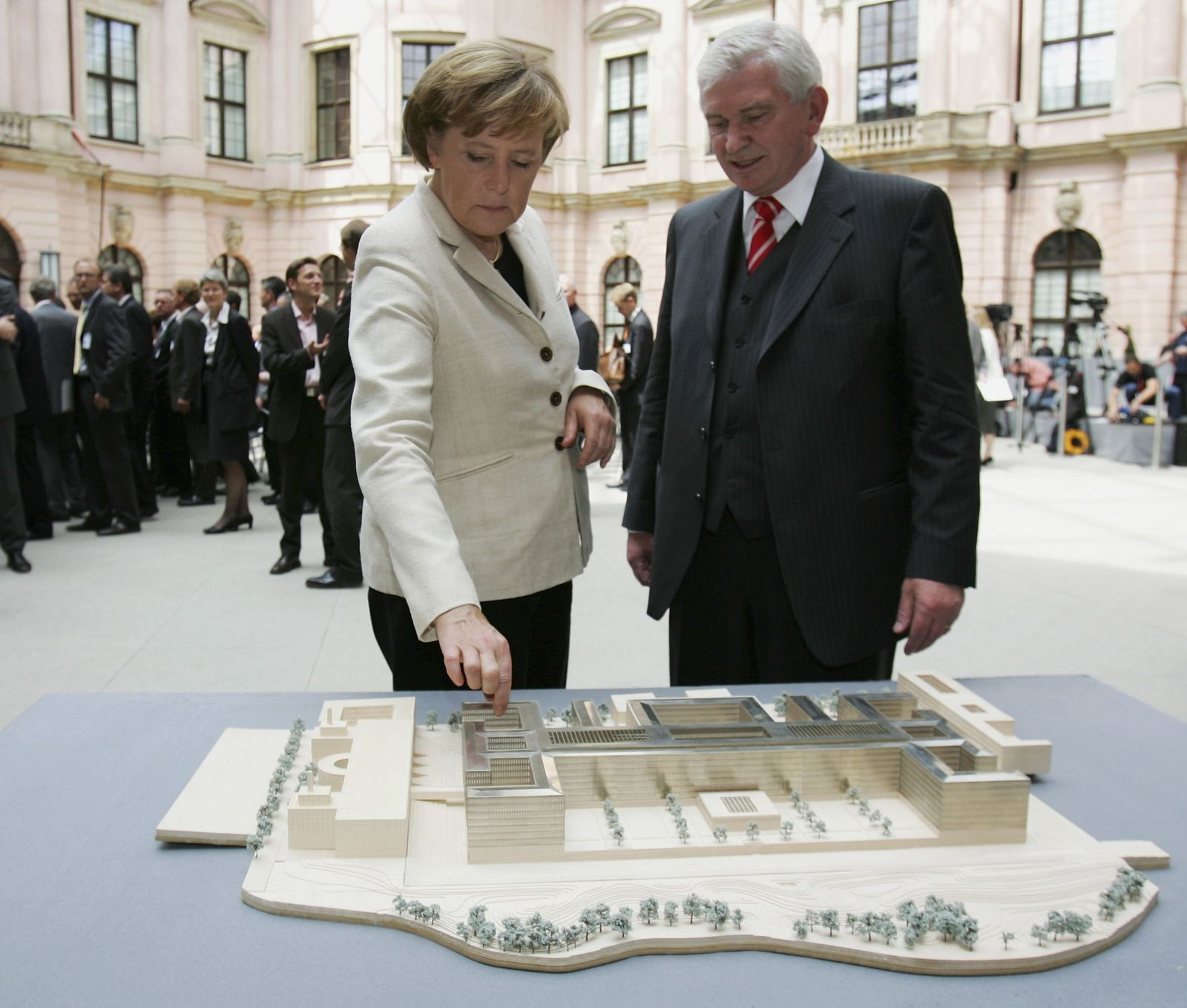 Uhrlau/ Merkel