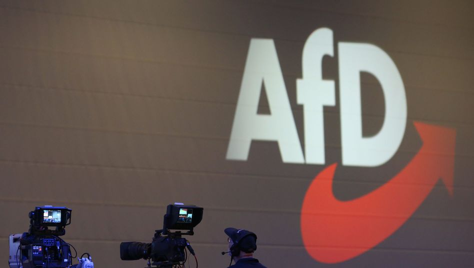 AfD-Logo auf dem Parteitag in Augsburg