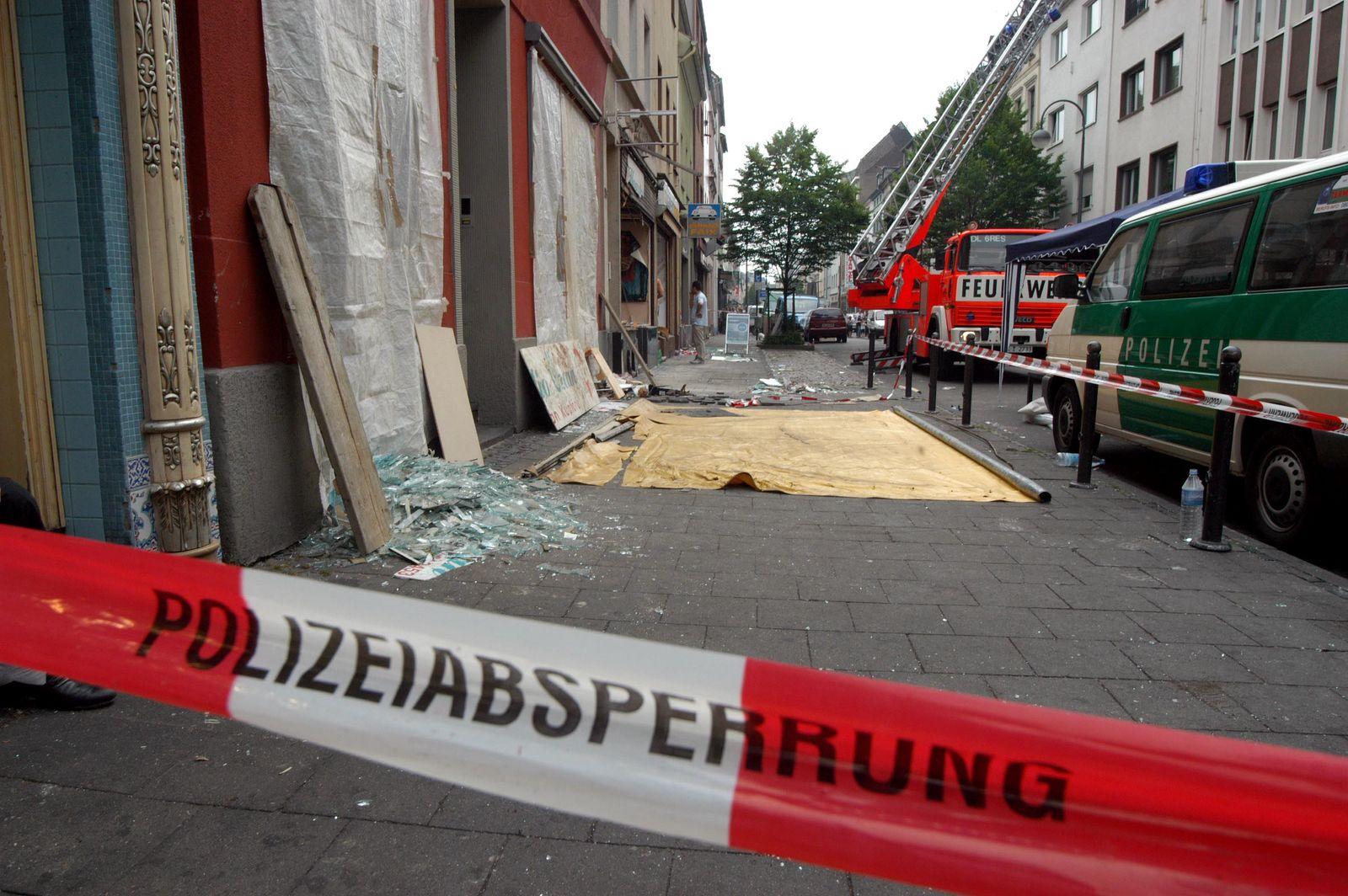 NICHT VERWENDEN Spurensuche nach Bombenexplosion in Koeln