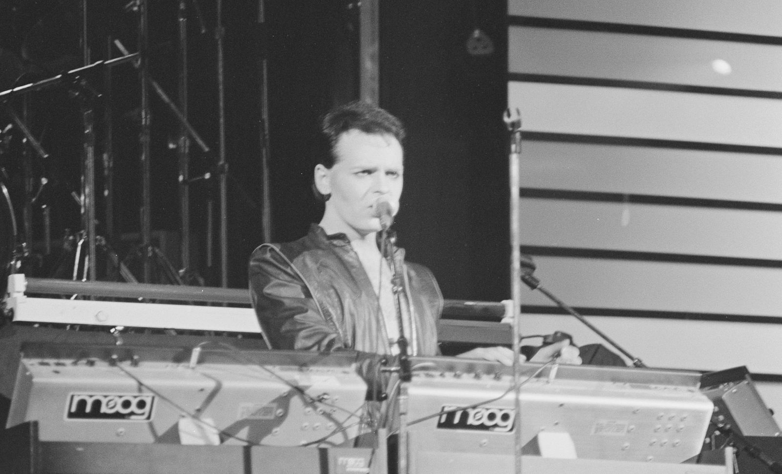 Gary Numan Singing and Playing the Keyboards