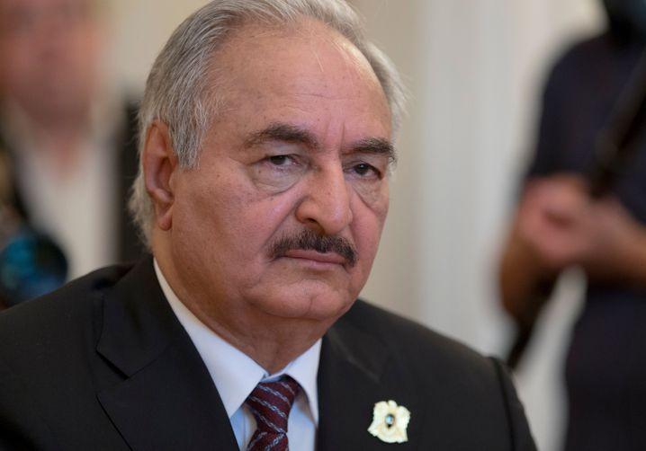 Warlord Khalifa Haftar will Libyen regieren