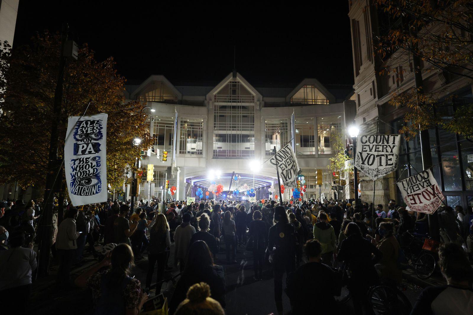 Election Day 2020, Philadelphia, USA - 05 Nov 2020