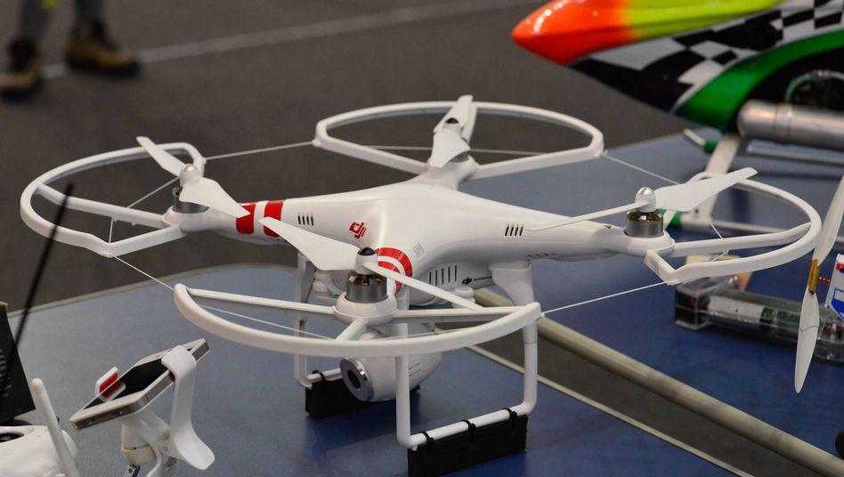 Quadrocopter DJI Phantom 1: Solch eine Drohne kam in Bremen zum Einsatz