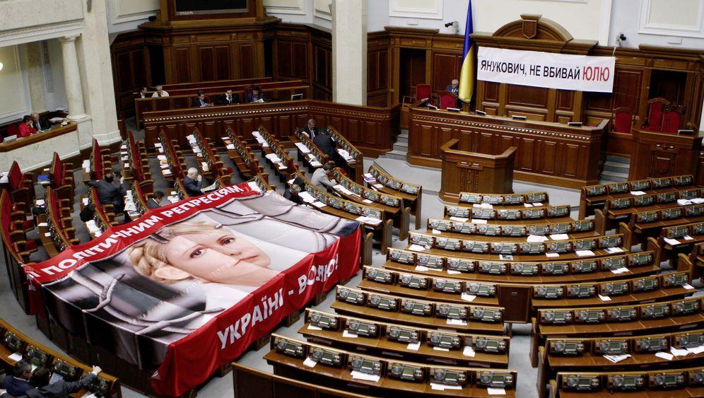 Photo Gallery: Ukraine Courting International Isolation