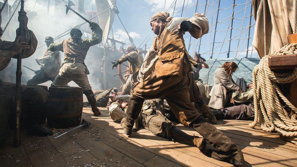 Freibeutermythos im Film (Szene aus US-Serie »Black Sails«, 2014): »Alle sind wohlauf und senden dir liebe Grüße«