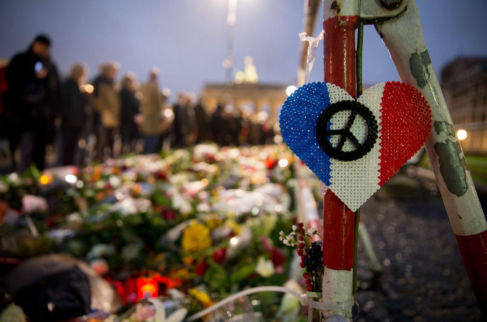 Nach Attentaten in Paris - Trauer in Berlin