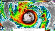 """Zyklon """"Amphan"""" trifft auf Land"""