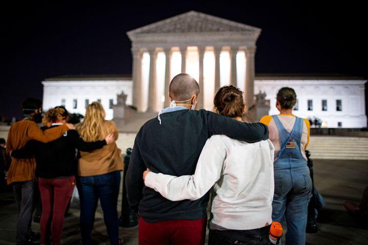 Symbol der Hoffnung: Trauernde am Supreme Court in Washington
