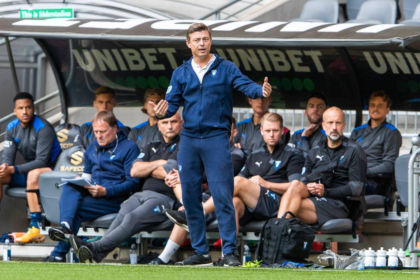 210829 Malmö FFs huvudtränare Jon Dahl Tomasson under fotbollsmatchen i Allsvenskan mellan Hammarby och Malmö FF den 29