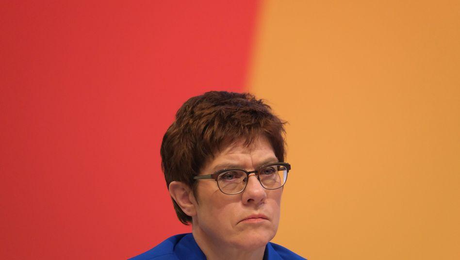 """Annegret Kramp-Karrenbauer: """"Wir gehen gegen jede Form von Rechtsextremismus entschlossen und kompromisslos vor"""""""