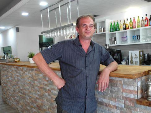 Restaurantbesitzer Christian Köppen vermisst seine Stammkunden