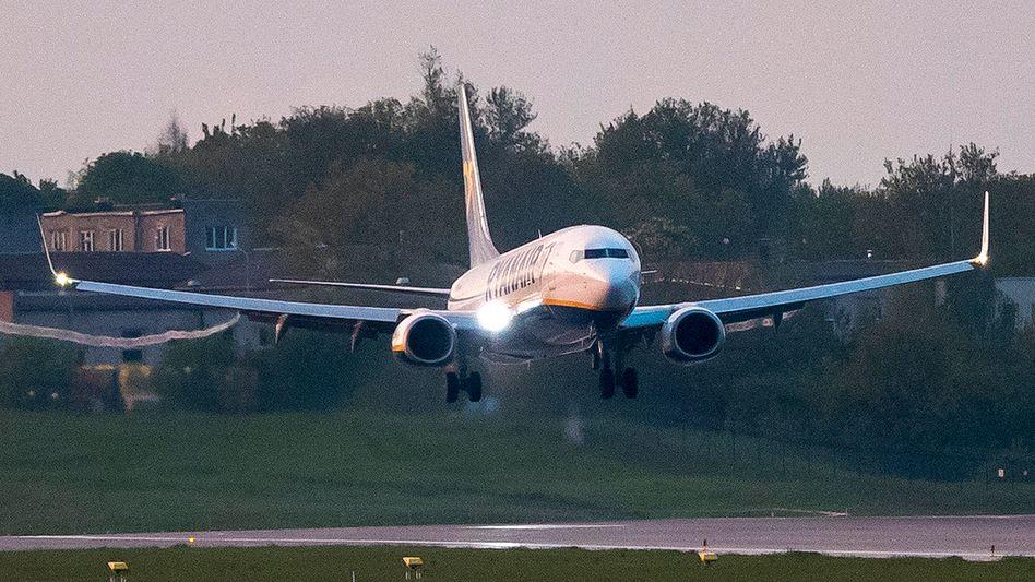 Die umgeleitete Ryanair-Maschine landet am Sonntag schließlich doch noch in Vilnius