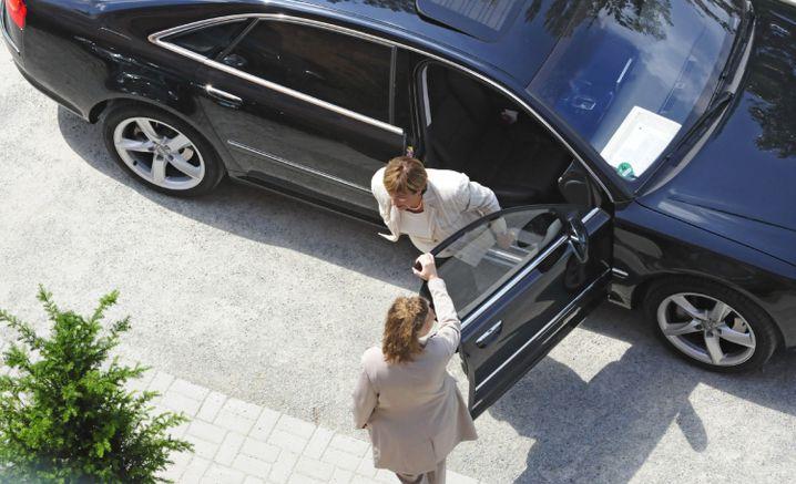 Ulla Schmidts Dienstwagen - hier ein anderes Modell bei einem Termin in Berlin im Juli