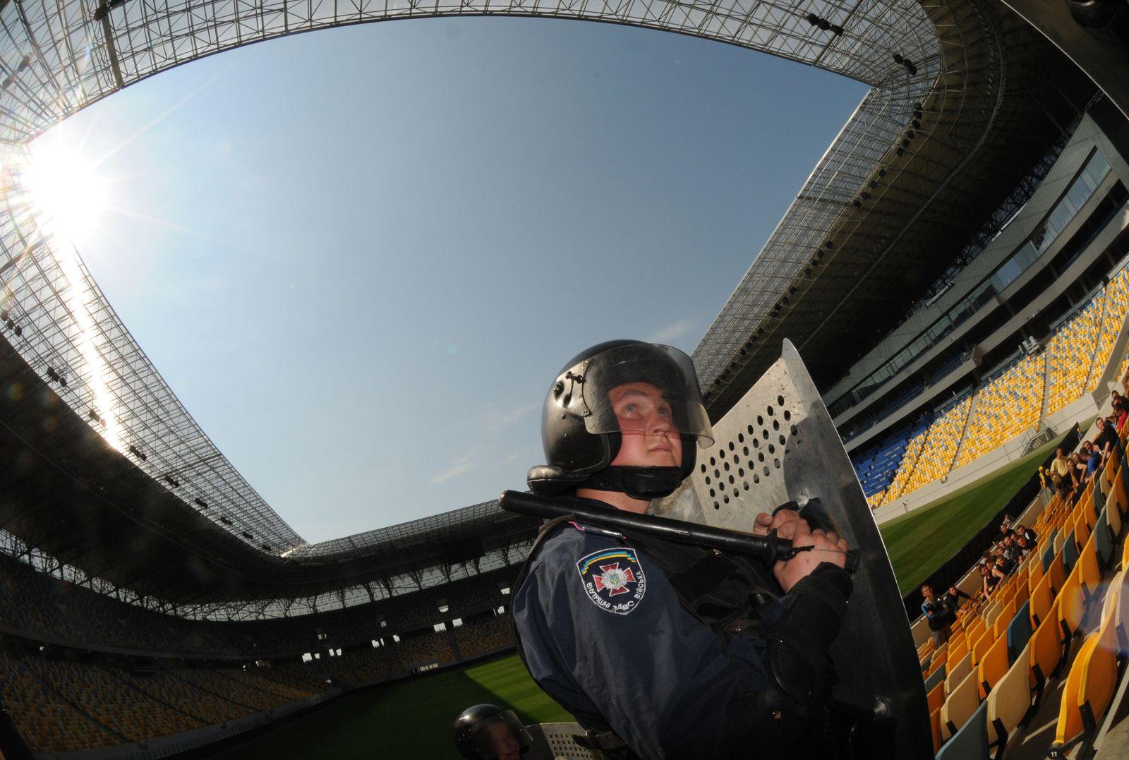 FBL-EURO-2012-UKR-PREPARATION