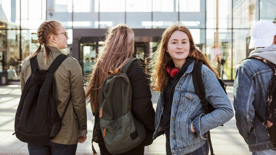 82 Prozent der Jugendlichen blicken zuversichtlich in die Zukunft - jedenfalls in die eigene