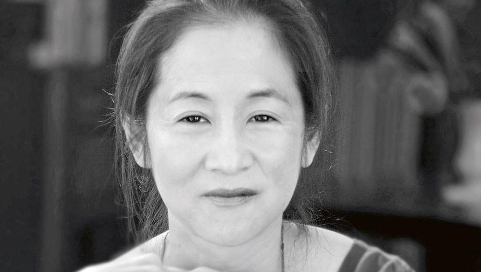 Autorin Julie Otsuka beschreibt das Schicksal japanischer Frauen mit einen mächtigen, orakelhaften Chor, der einen in seinen Bann schlägt und nicht mehr loslässt