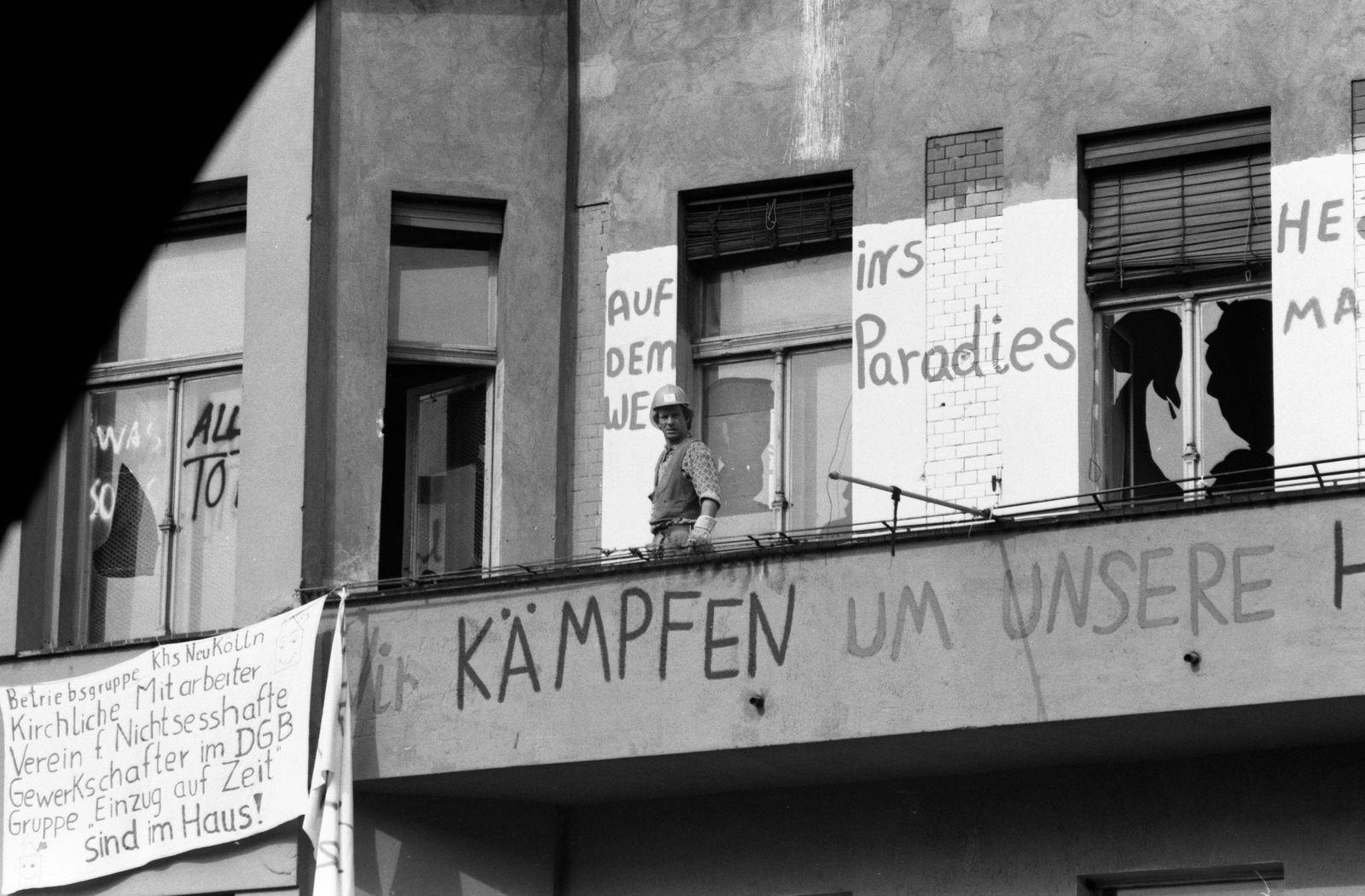 Bülowstr. 89, 22.9.1981 Der rechte Innensenator Heinrich Lummer (CDU) ließ am 22.9.1981 acht besetzte Häuser in der Bülo