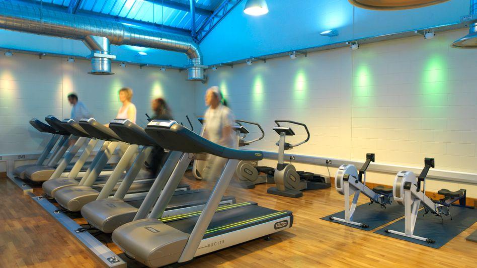 Fitnessstudio: Fatburner Synephrin kann in Kombination mit Sport zur Gefahr werden