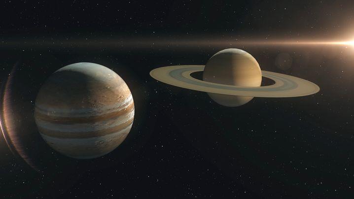 Modell mit den beiden Planeten Jupiter (l.) und Saturn