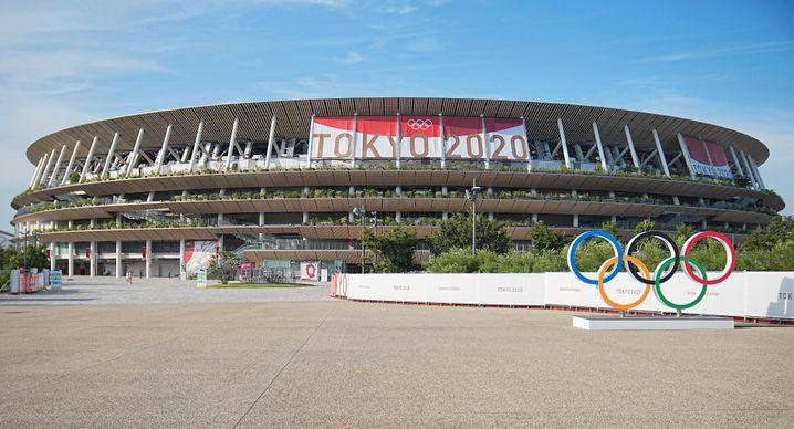 Neues Nationalstadion in Tokio: Das Dach ruht auf einer Mischkonstruktion aus Stahl und Lärchenholz, die Dachvorsprünge sind aus Zedernholzbrettern.