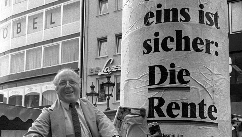 """Norbert Blüms """"Die Rente ist sicher""""-Werbeaktion: Auch Autor Butterwegge glaubt daran."""
