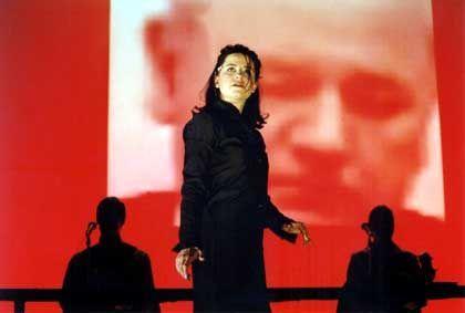 """Ong-Inszenierung """"Offenes Geheimnis"""" (mit Barbara Redl): """"Wien ist wie Den Haag"""""""