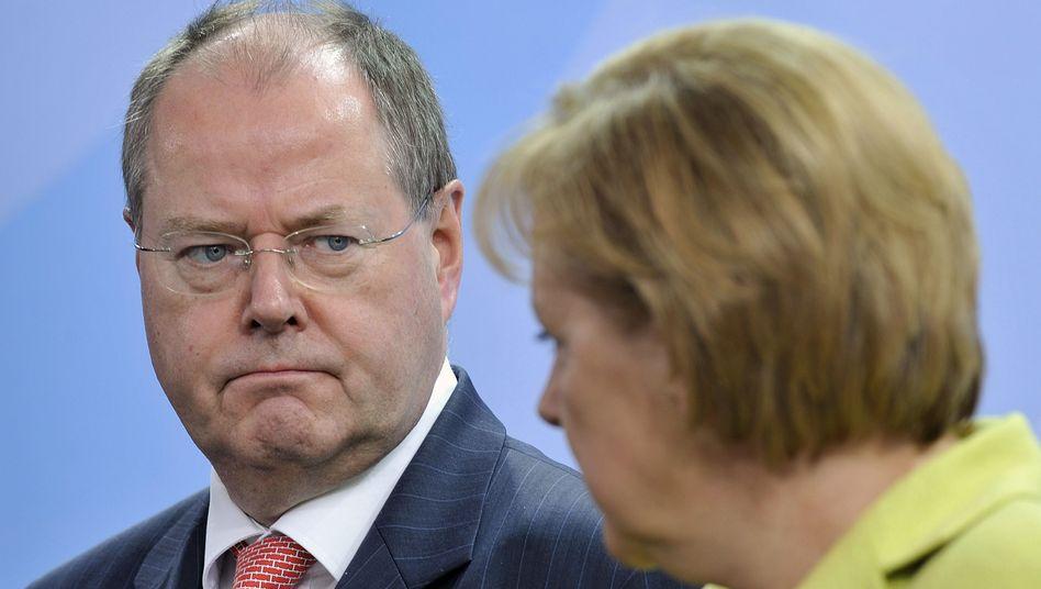 Steinbrück und Kanzlerin Merkel: Wie entscheidend ist die Beliebtheit für die Wahl?