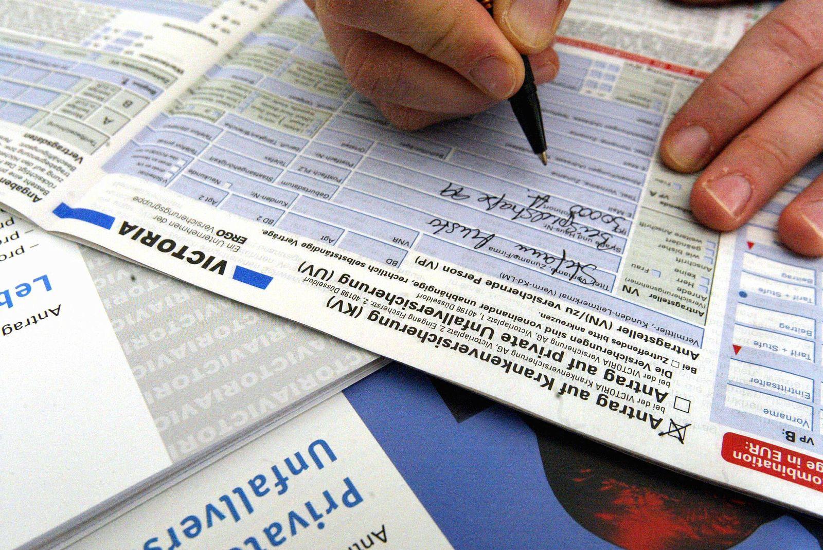 NICHT VERWENDEN Zeitung: Privatkassen erwaegen Klage gegen Gesundheitsreform