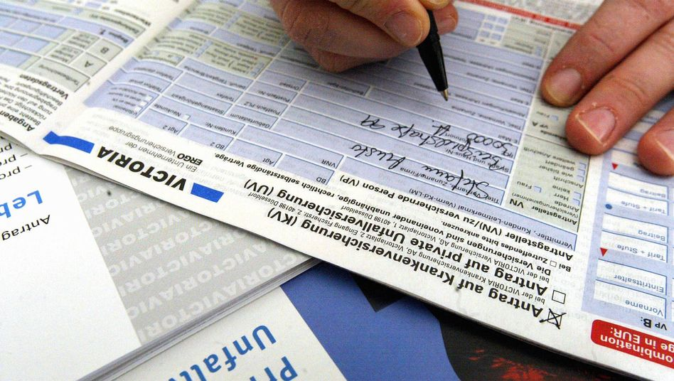 Antrag auf private Krankenversicherung: Unterschrift mit teuren Spätfolgen