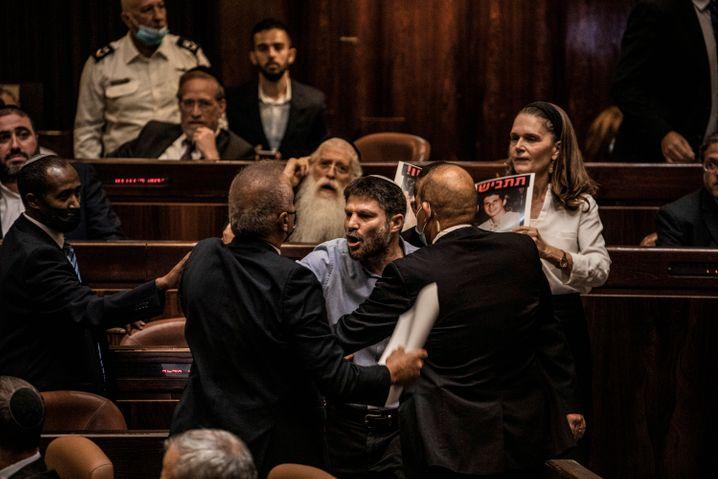 Tumultartige Szenen: Während Naftali Bennetts Eröffnungsrede kam es immer wieder zu lauten Protesten.