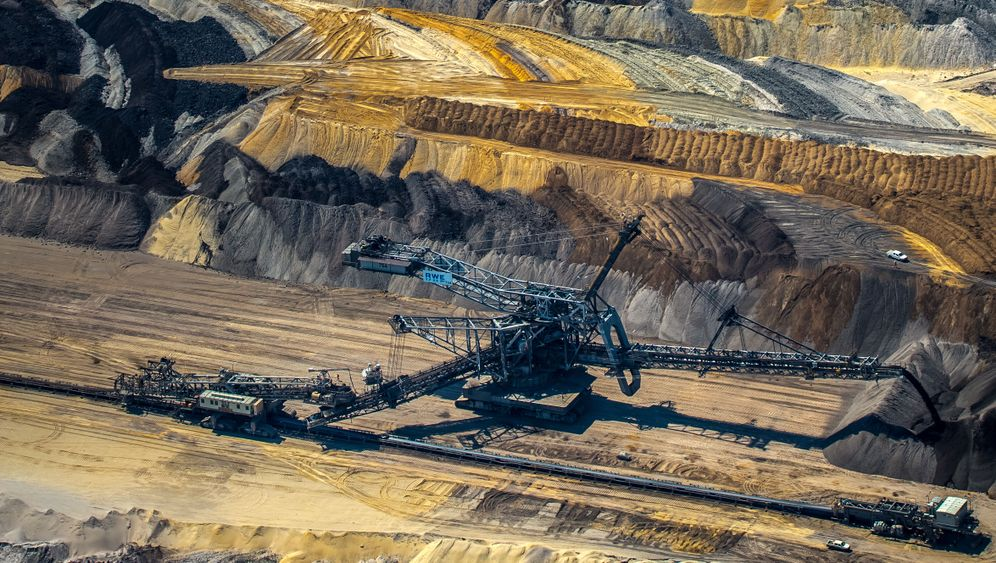 Photo Gallery: A Painful Exit from Brown Coal