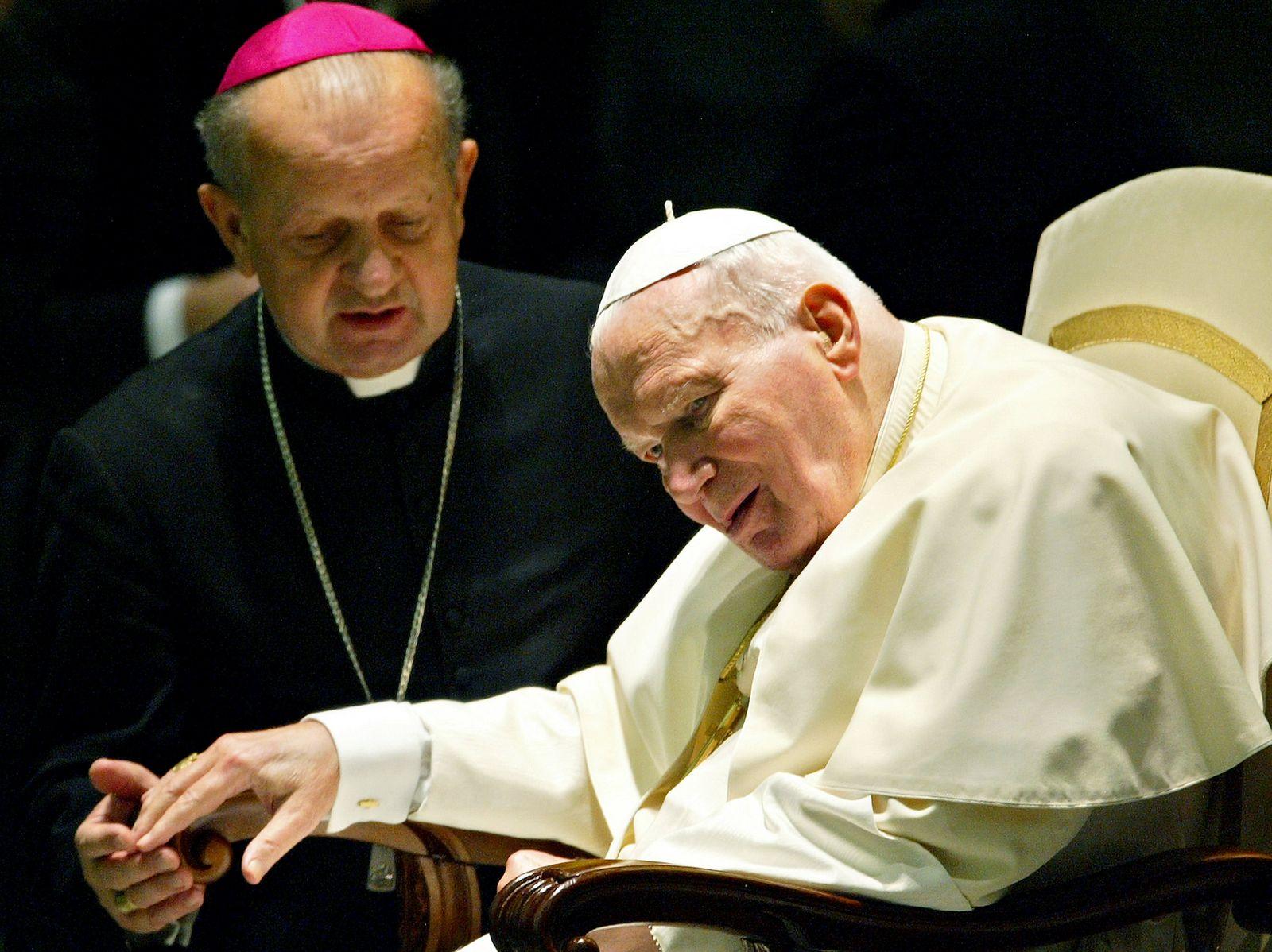VATICAN-POPE-HEALTH-DZIWISZ