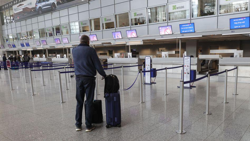 Coronavirus 40 Prozent Weniger Passagiere Am Flughafen Frankfurt Der Spiegel