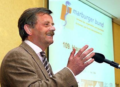 """Der Vorsitzende des Marburger Bundes, Montgomery: """"Wir bedanken uns für diese Form der Beglückung und weisen sie zurück!"""""""