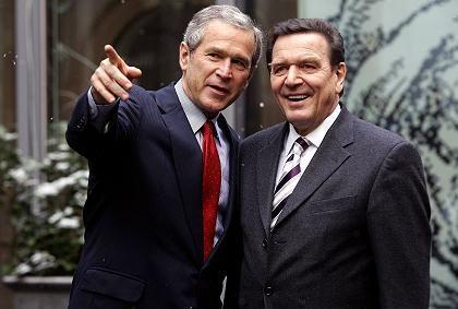 Bush, Schröder: Zwei Wege zu verlieren