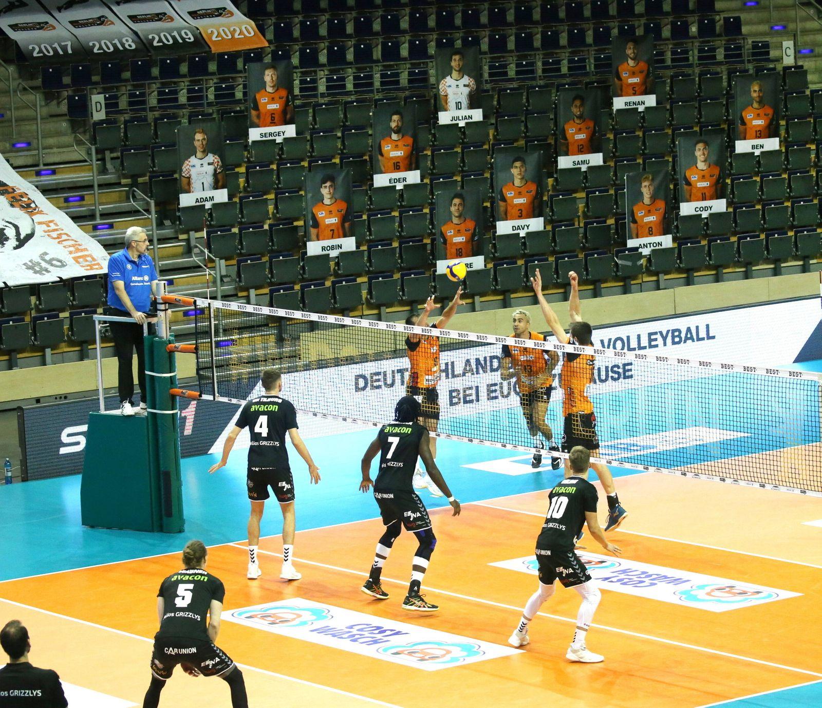 GER, 1.VBL, BR VOLLEYS VS. Helios Grizzlys Giesen / 14.11.2020, Max Schmeling Halle, Berlin, GER, 1.VBL, BR VOLLEYS VS.