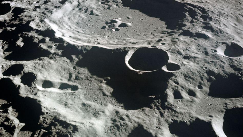 Krater auf der Mondoberfläche: Unwägbarkeiten bei der Landung