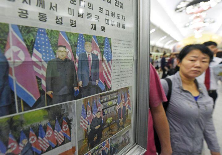 Zeitungsaushang in Pjöngjang
