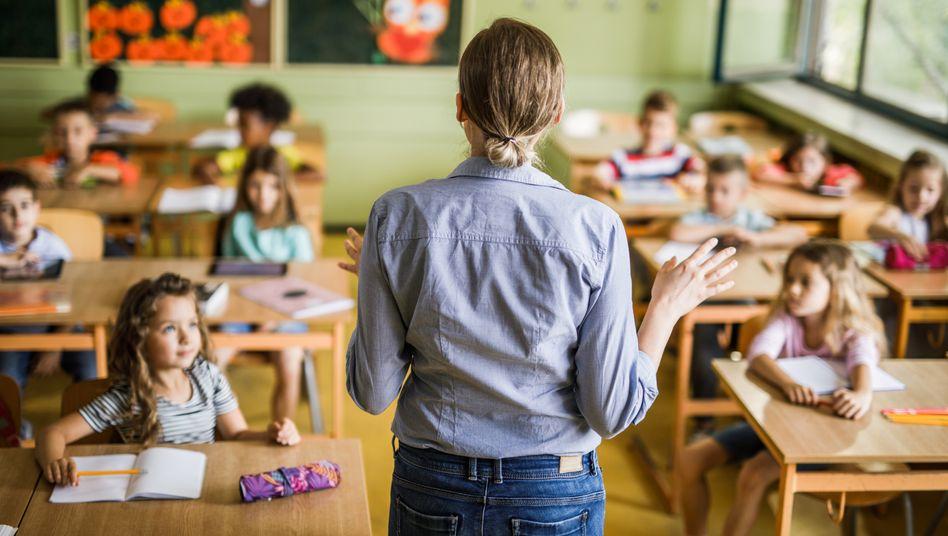 Lehrer-Typen: Mit diesen Lehrern müssen Schüler und Eltern