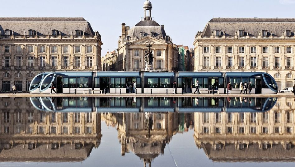 Seit 2007 gehört Bordeaux wegen seines intakten Stadtbilds zum Weltkulturerbe. Seit 2007 gehört Bordeaux wegen seines intakten Stadtbilds zum Weltkulturerbe.