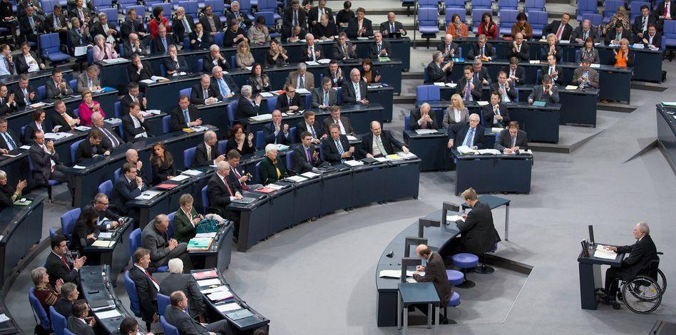 Deutscher Bundestag (Archivbild): Staatliches Geld für die Parteikassen