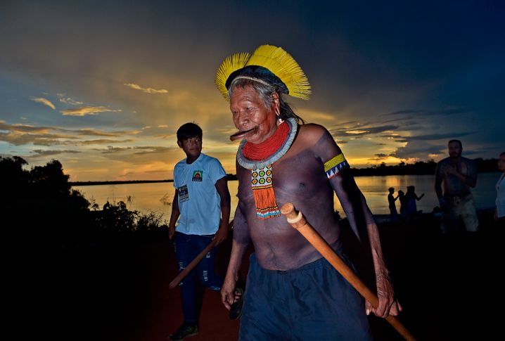 Raoni Metuktire: 90-jähriges Stammesoberhaupt mit Covid-19